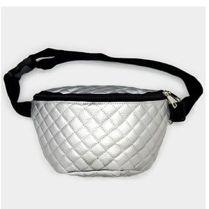 Handbags - 🆕Embossed Leather Fanny Pack
